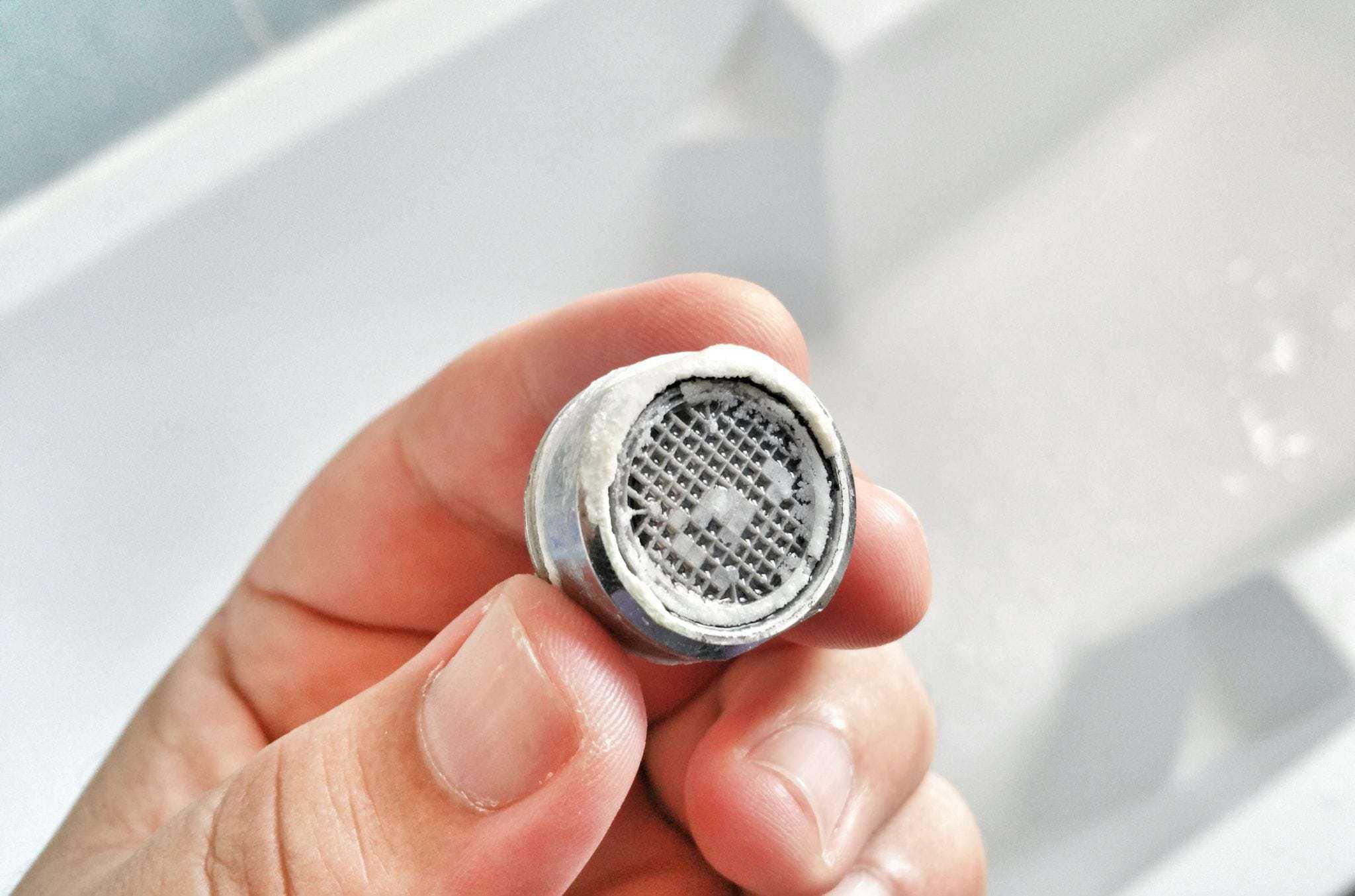 Comment réparer un robinet ? Fuites & baisse de pression