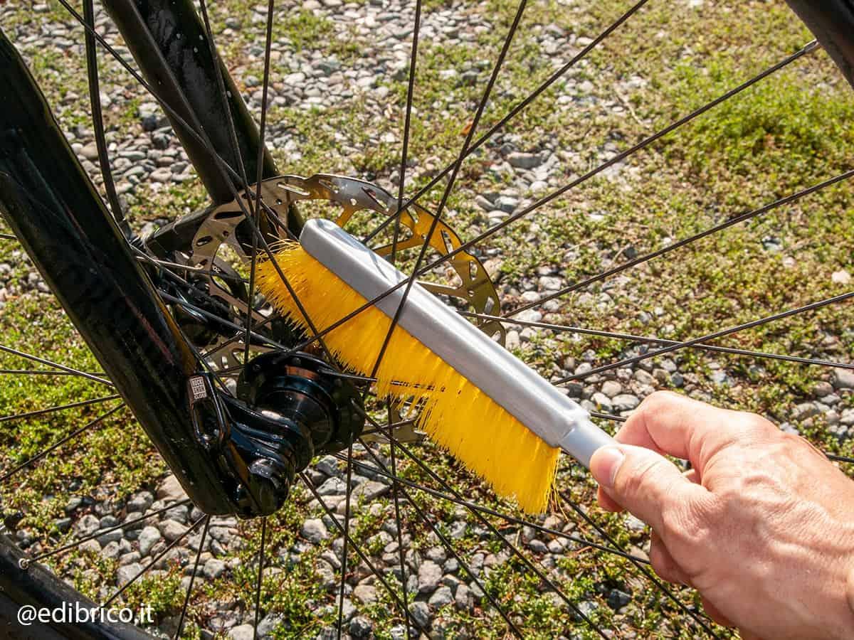 entretien frein et pneu vélo électrique